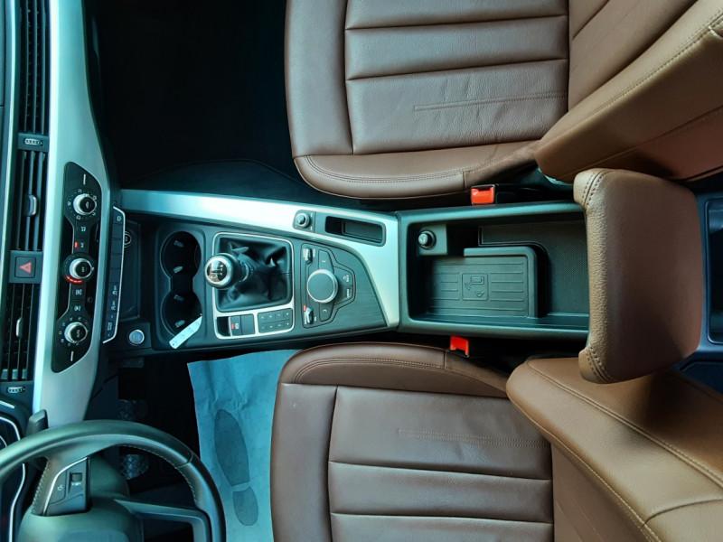 Photo 26 de l'offre de AUDI A4 A4 2.0 TDI 150 Business Line à 18490€ chez Centrale Auto Marché Mussidan