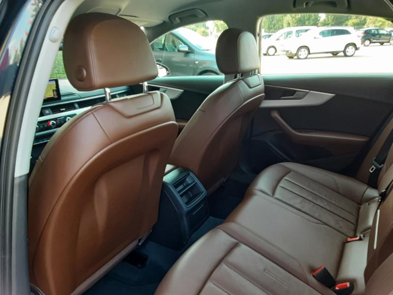Photo 9 de l'offre de AUDI A4 A4 2.0 TDI 150 Business Line à 18490€ chez Centrale Auto Marché Mussidan