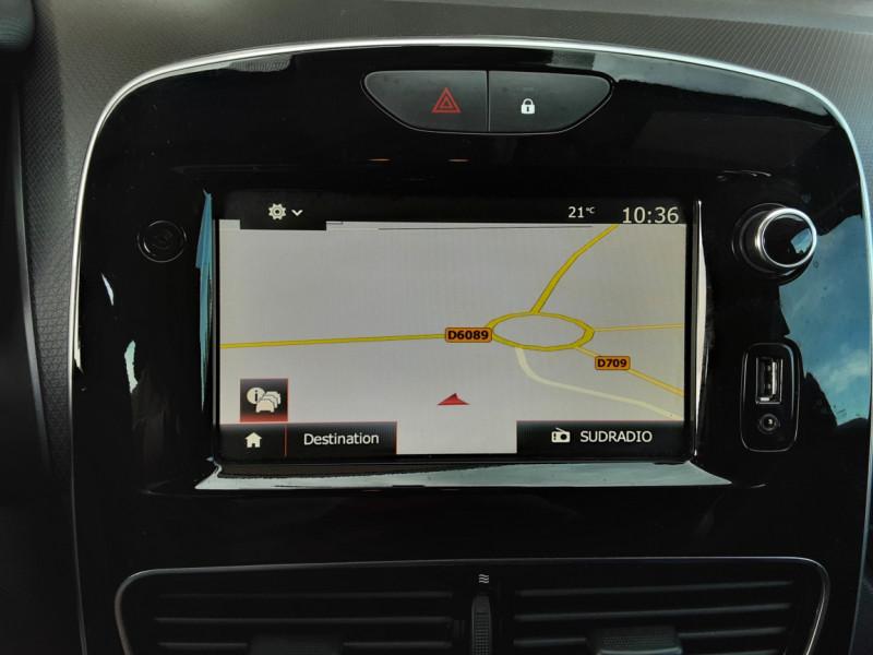Photo 14 de l'offre de RENAULT CLIO TCe 90 E6C Business à 11490€ chez Centrale Auto Marché Mussidan