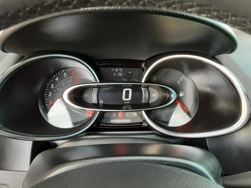 Photo 15 de l'offre de RENAULT CLIO TCe 90 E6C Business à 11490€ chez Centrale Auto Marché Mussidan