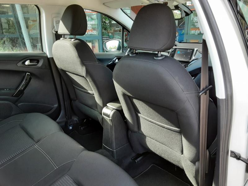 Photo 8 de l'offre de PEUGEOT 208 1.6 BlueHDi 100ch SetS BVM5 Allure Business à 10890€ chez Centrale Auto Marché Mussidan