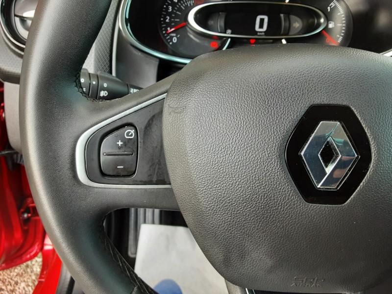 Photo 48 de l'offre de RENAULT CLIO TCe 90 E6C Business à 11490€ chez Centrale Auto Marché Mussidan