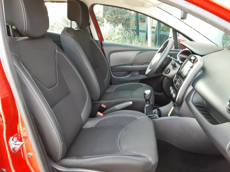 Photo 38 de l'offre de RENAULT CLIO TCe 90 E6C Business à 11490€ chez Centrale Auto Marché Mussidan
