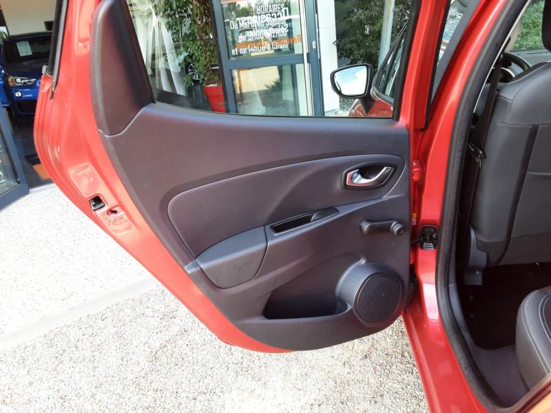Photo 32 de l'offre de RENAULT CLIO TCe 90 E6C Business à 11490€ chez Centrale Auto Marché Mussidan