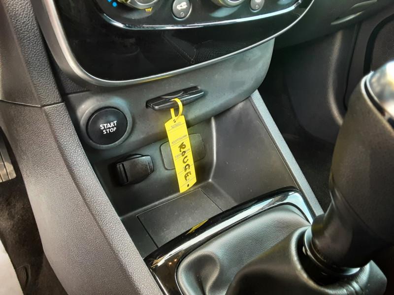 Photo 18 de l'offre de RENAULT CLIO TCe 90 E6C Business à 11490€ chez Centrale Auto Marché Mussidan