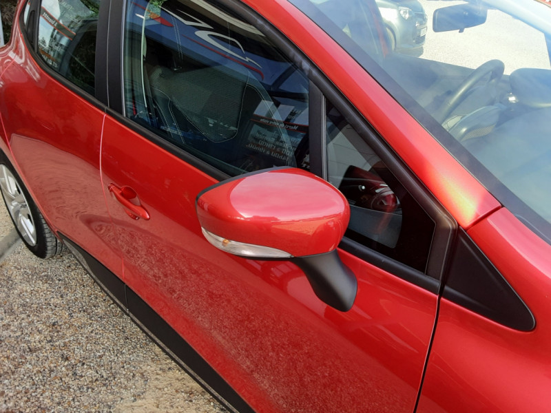 Photo 2 de l'offre de RENAULT CLIO TCe 90 E6C Business à 11490€ chez Centrale Auto Marché Mussidan