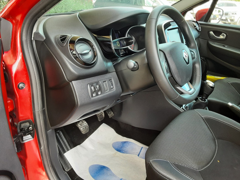 Photo 42 de l'offre de RENAULT CLIO TCe 90 E6C Business à 11490€ chez Centrale Auto Marché Mussidan