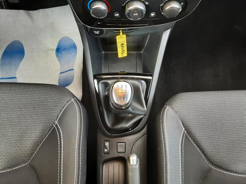 Photo 46 de l'offre de RENAULT CLIO TCe 90 E6C Business à 11490€ chez Centrale Auto Marché Mussidan