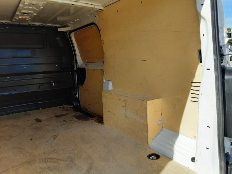 Photo 6 de l'offre de PEUGEOT EXPERT LONG BLUEHDI 120 SetS BVM6 PREMIUM PACK à 19900€ chez Centrale Auto Marché Mussidan