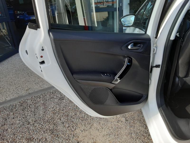 Photo 44 de l'offre de PEUGEOT 208 1.6 BlueHDi 100ch SetS BVM5 Allure Business à 10890€ chez Centrale Auto Marché Mussidan