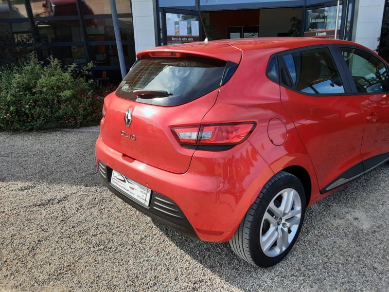 Photo 25 de l'offre de RENAULT CLIO TCe 90 E6C Business à 11490€ chez Centrale Auto Marché Mussidan