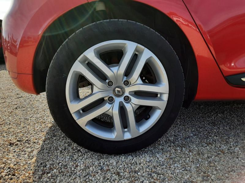 Photo 45 de l'offre de RENAULT CLIO TCe 90 E6C Business à 11490€ chez Centrale Auto Marché Mussidan