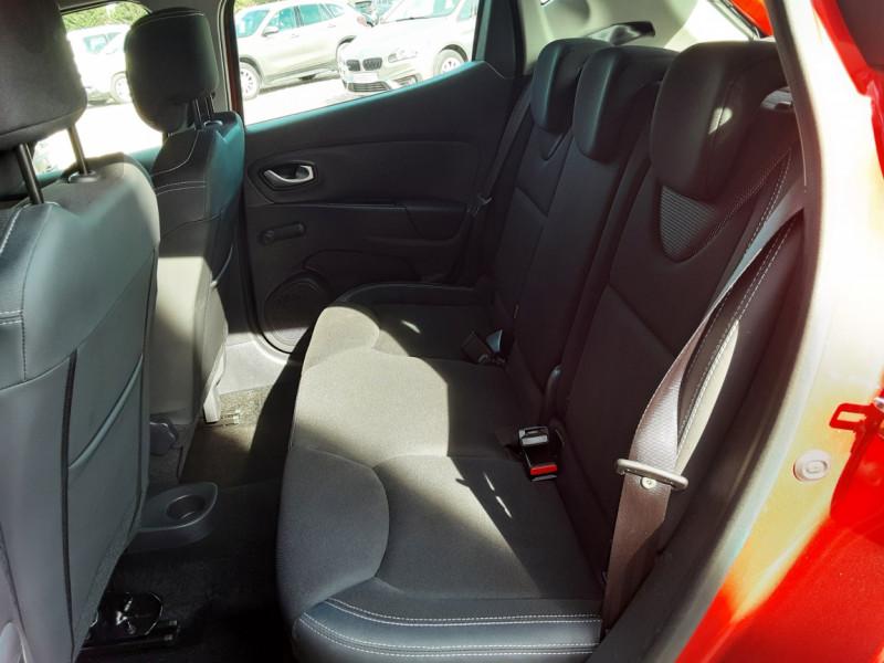 Photo 35 de l'offre de RENAULT CLIO TCe 90 E6C Business à 11490€ chez Centrale Auto Marché Mussidan