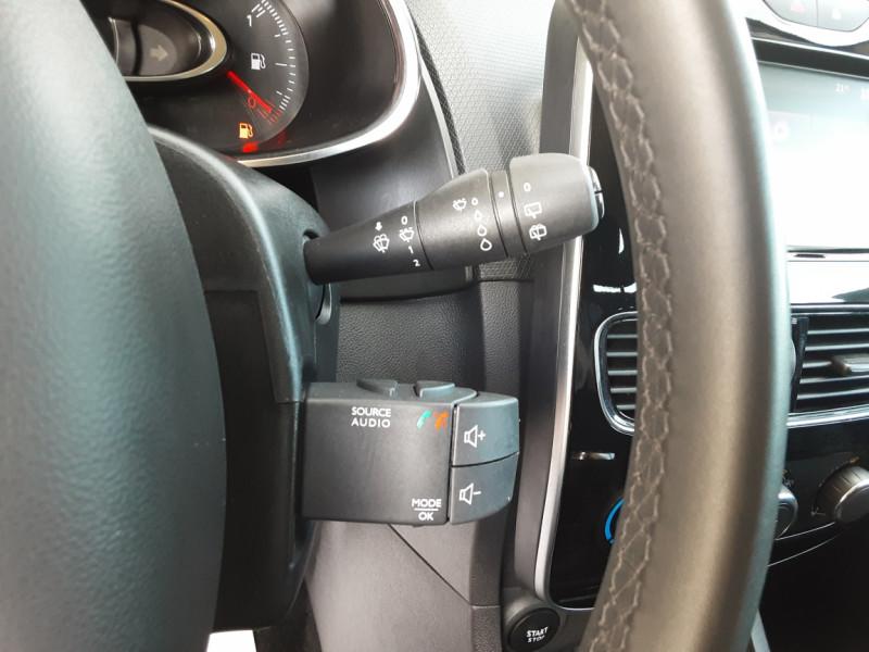 Photo 10 de l'offre de RENAULT CLIO TCe 90 E6C Business à 11490€ chez Centrale Auto Marché Mussidan