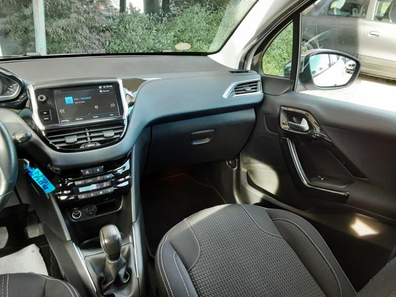 Photo 16 de l'offre de PEUGEOT 208 1.6 BlueHDi 100ch SetS BVM5 Allure Business à 10890€ chez Centrale Auto Marché Mussidan