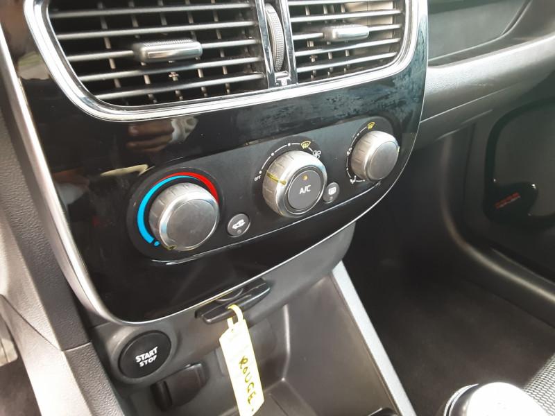 Photo 16 de l'offre de RENAULT CLIO TCe 90 E6C Business à 11490€ chez Centrale Auto Marché Mussidan