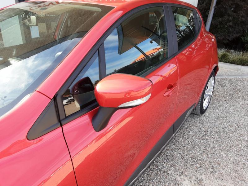 Photo 24 de l'offre de RENAULT CLIO TCe 90 E6C Business à 11490€ chez Centrale Auto Marché Mussidan