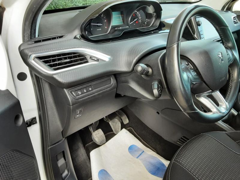 Photo 49 de l'offre de PEUGEOT 208 1.6 BlueHDi 100ch SetS BVM5 Allure Business à 10890€ chez Centrale Auto Marché Mussidan