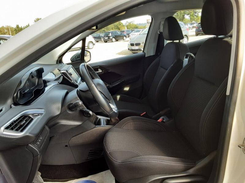 Photo 6 de l'offre de PEUGEOT 208 1.6 BlueHDi 100ch SetS BVM5 Allure Business à 10890€ chez Centrale Auto Marché Mussidan
