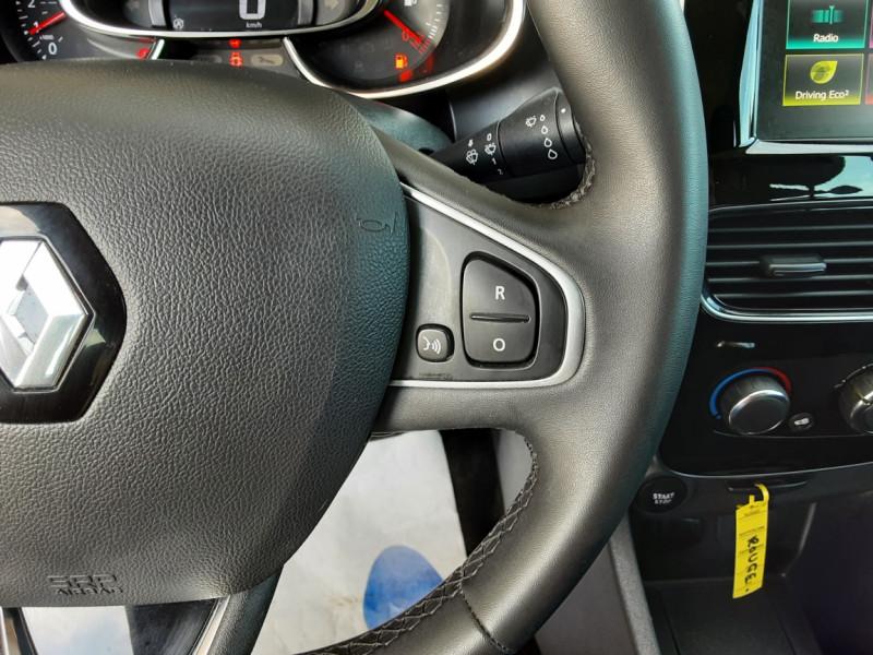 Photo 44 de l'offre de RENAULT CLIO TCe 90 E6C Business à 11490€ chez Centrale Auto Marché Mussidan