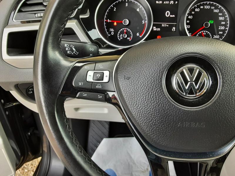 Photo 50 de l'offre de VOLKSWAGEN TOURAN 1.6 TDI 115CH DSG7 Confortline Business 7places à 20490€ chez Centrale Auto Marché Mussidan