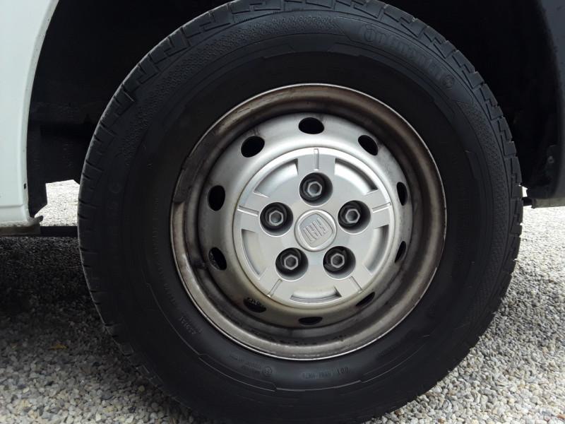 Photo 43 de l'offre de FIAT DUCATO TOLE 3.0 C H2 2.0 MJT 115 EURO 6 PACK PRO NAV à 19490€ chez Centrale Auto Marché Mussidan
