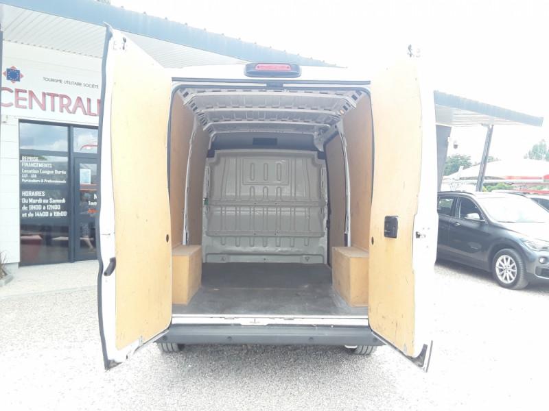 Photo 35 de l'offre de FIAT DUCATO TOLE 3.0 C H2 2.0 MJT 115 EURO 6 PACK PRO NAV à 19490€ chez Centrale Auto Marché Mussidan