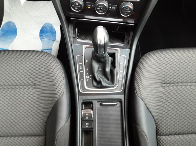 Photo 39 de l'offre de VOLKSWAGEN GOLF 2.0 TDI 150 BMT DSG7 Confortline à 20500€ chez Centrale Auto Marché Mussidan