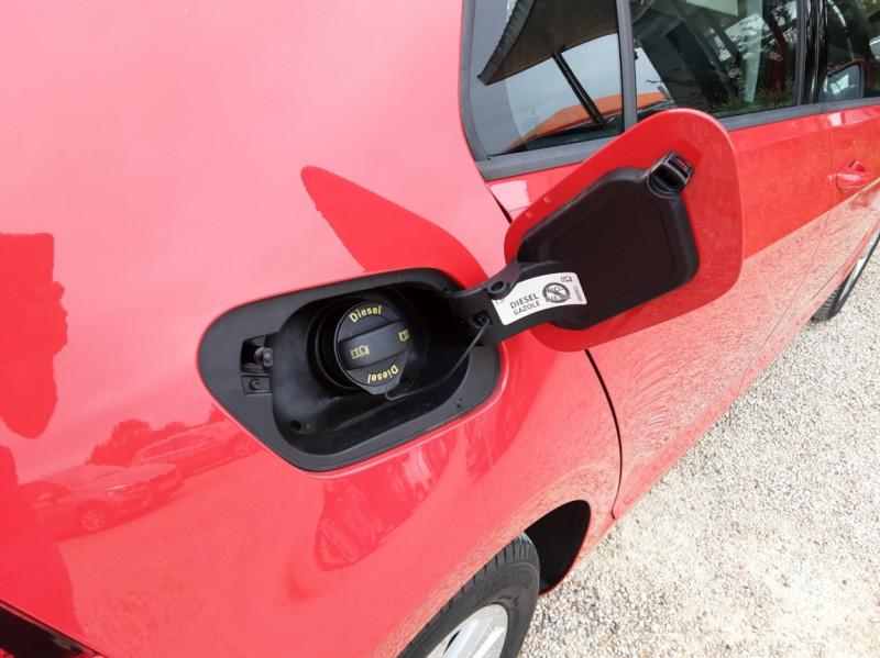 Photo 33 de l'offre de VOLKSWAGEN GOLF 2.0 TDI 150 BMT DSG7 Confortline à 20500€ chez Centrale Auto Marché Mussidan