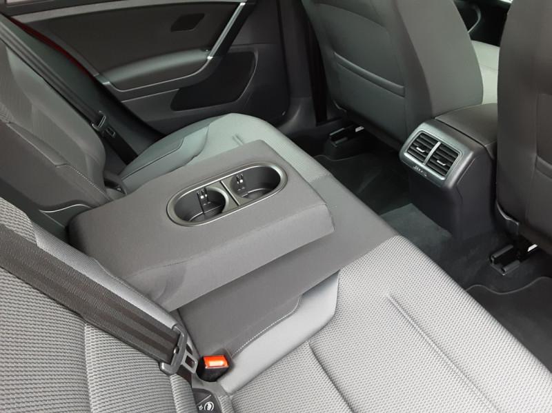 Photo 32 de l'offre de VOLKSWAGEN GOLF 2.0 TDI 150 BMT DSG7 Confortline à 20500€ chez Centrale Auto Marché Mussidan