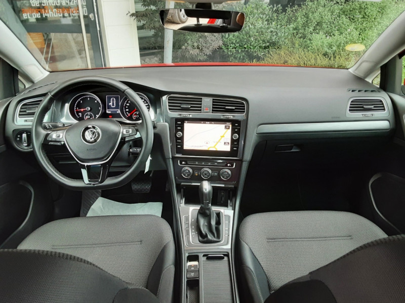 Photo 31 de l'offre de VOLKSWAGEN GOLF 2.0 TDI 150 BMT DSG7 Confortline à 20500€ chez Centrale Auto Marché Mussidan