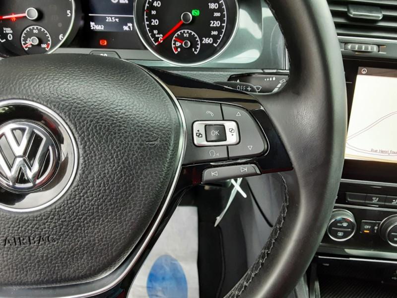Photo 46 de l'offre de VOLKSWAGEN GOLF 2.0 TDI 150 BMT DSG7 Confortline à 20500€ chez Centrale Auto Marché Mussidan