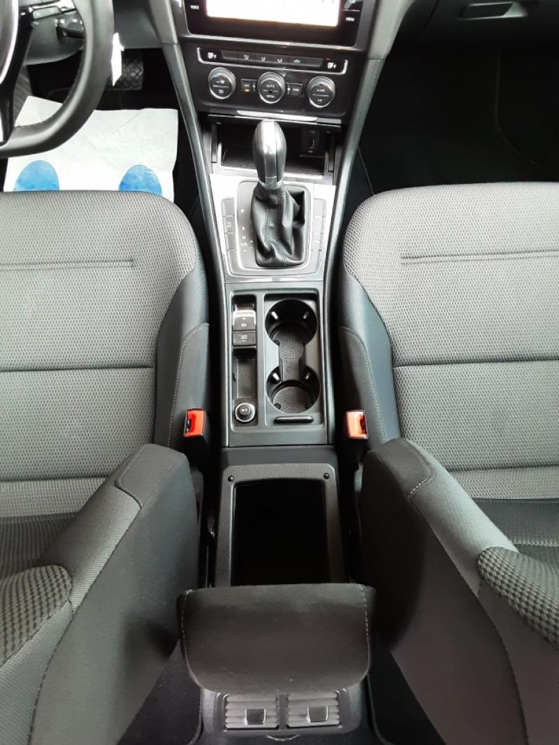 Photo 40 de l'offre de VOLKSWAGEN GOLF 2.0 TDI 150 BMT DSG7 Confortline à 20500€ chez Centrale Auto Marché Mussidan