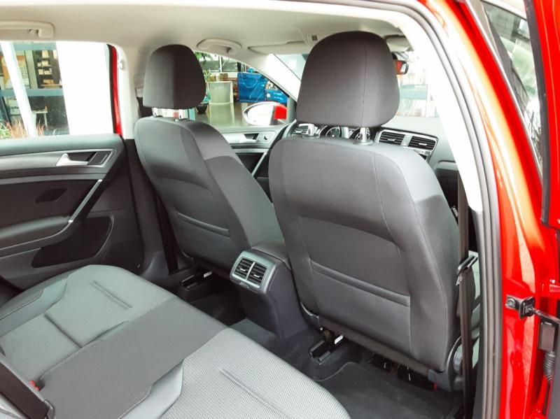 Photo 29 de l'offre de VOLKSWAGEN GOLF 2.0 TDI 150 BMT DSG7 Confortline à 20500€ chez Centrale Auto Marché Mussidan