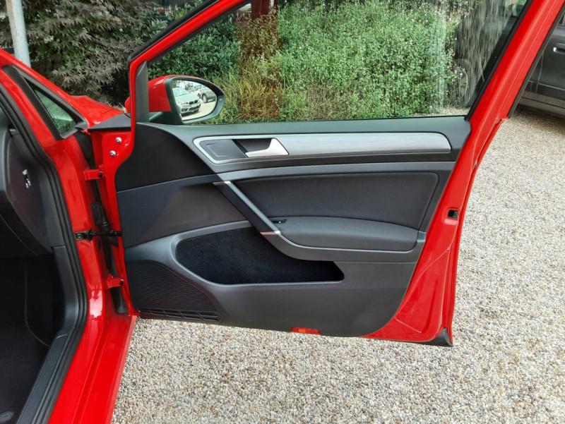 Photo 27 de l'offre de VOLKSWAGEN GOLF 2.0 TDI 150 BMT DSG7 Confortline à 20500€ chez Centrale Auto Marché Mussidan