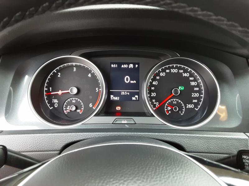 Photo 50 de l'offre de VOLKSWAGEN GOLF 2.0 TDI 150 BMT DSG7 Confortline à 20500€ chez Centrale Auto Marché Mussidan