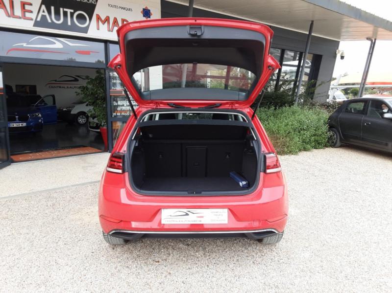 Photo 16 de l'offre de VOLKSWAGEN GOLF 2.0 TDI 150 BMT DSG7 Confortline à 20500€ chez Centrale Auto Marché Mussidan