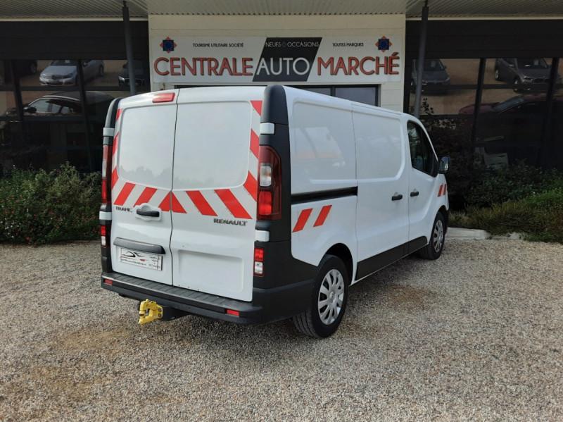 Photo 10 de l'offre de RENAULT TRAFIC CA L1H1 1000 KG DCI 120 E6 GRAND CONFORT  à 16900€ chez Centrale Auto Marché Mussidan