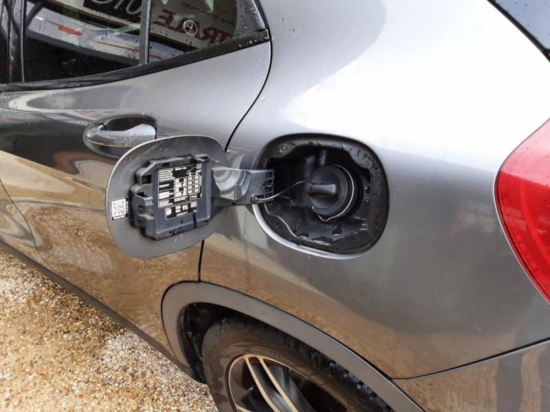 Photo 14 de l'offre de MERCEDES-BENZ CLASSE GLA 250 7-G DCT 210ch Ethanol à 21500€ chez Centrale Auto Marché Mussidan