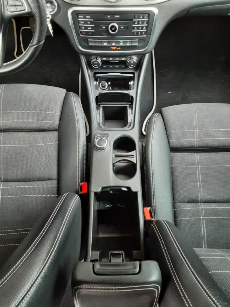 Photo 35 de l'offre de MERCEDES-BENZ CLASSE GLA 250 7-G DCT 210ch Ethanol à 21500€ chez Centrale Auto Marché Mussidan
