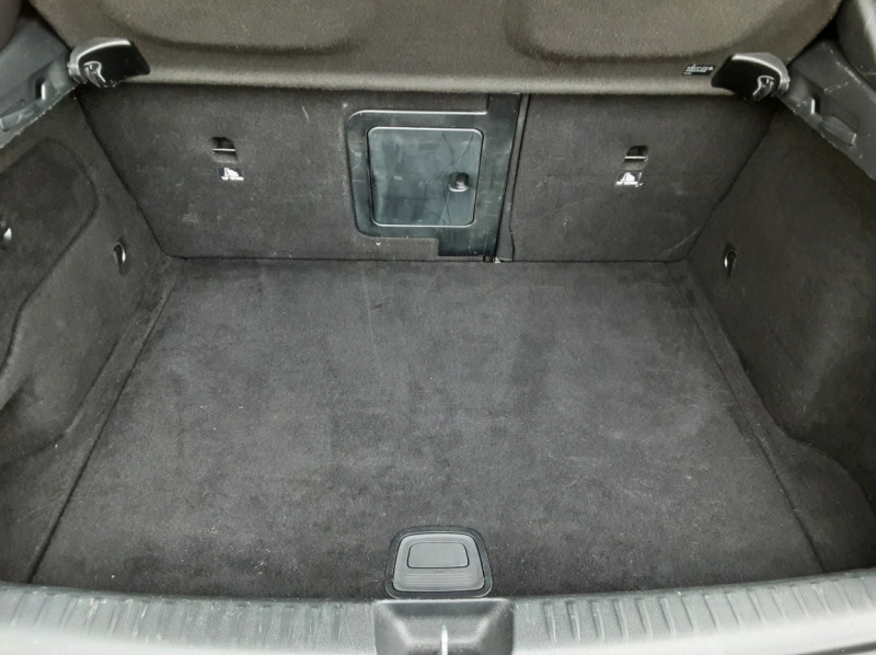 Photo 31 de l'offre de MERCEDES-BENZ CLASSE GLA 250 7-G DCT 210ch Ethanol à 21500€ chez Centrale Auto Marché Mussidan