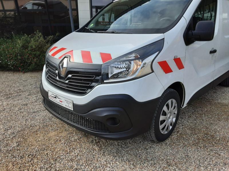Photo 4 de l'offre de RENAULT TRAFIC CA L1H1 1000 KG DCI 120 E6 GRAND CONFORT  à 16900€ chez Centrale Auto Marché Mussidan