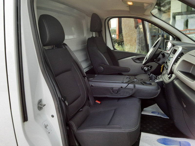 Photo 29 de l'offre de RENAULT TRAFIC CA L1H1 1000 KG DCI 120 E6 GRAND CONFORT  à 16900€ chez Centrale Auto Marché Mussidan