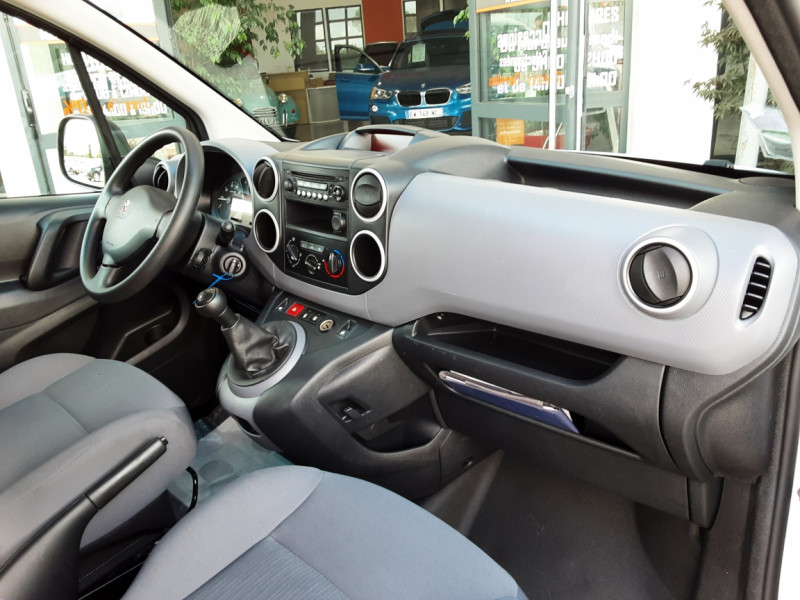 Photo 13 de l'offre de PEUGEOT PARTNER CABINE APPROFONDIE L2 1.6 HDI 90CH BVM5  à 13990€ chez Centrale Auto Marché Mussidan