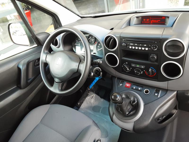 Photo 38 de l'offre de PEUGEOT PARTNER CABINE APPROFONDIE L2 1.6 HDI 90CH BVM5  à 13990€ chez Centrale Auto Marché Mussidan