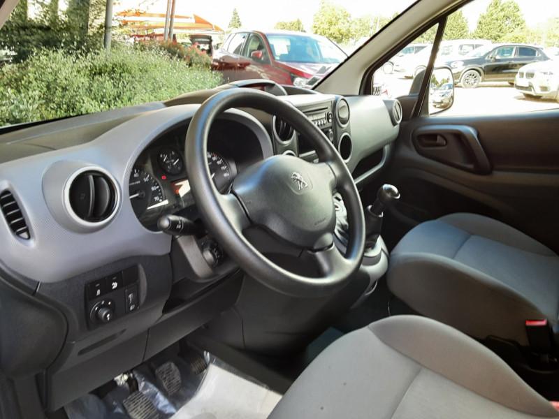 Photo 19 de l'offre de PEUGEOT PARTNER CABINE APPROFONDIE L2 1.6 HDI 90CH BVM5  à 13990€ chez Centrale Auto Marché Mussidan