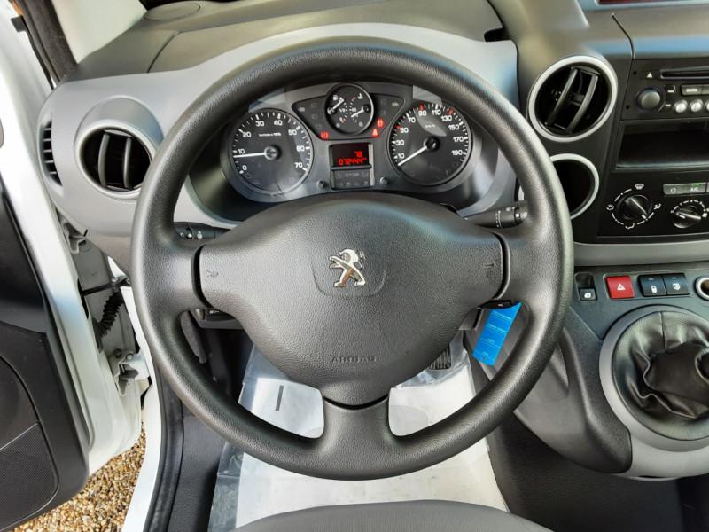 Photo 44 de l'offre de PEUGEOT PARTNER CABINE APPROFONDIE L2 1.6 HDI 90CH BVM5  à 13990€ chez Centrale Auto Marché Mussidan
