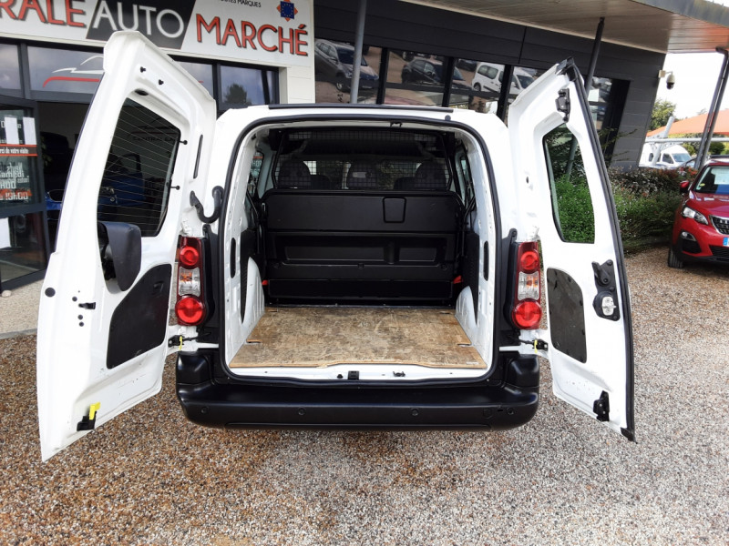 Photo 33 de l'offre de PEUGEOT PARTNER CABINE APPROFONDIE L2 1.6 HDI 90CH BVM5  à 13990€ chez Centrale Auto Marché Mussidan