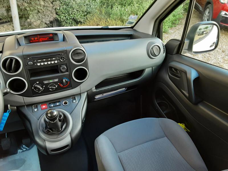 Photo 12 de l'offre de PEUGEOT PARTNER CABINE APPROFONDIE L2 1.6 HDI 90CH BVM5  à 13990€ chez Centrale Auto Marché Mussidan