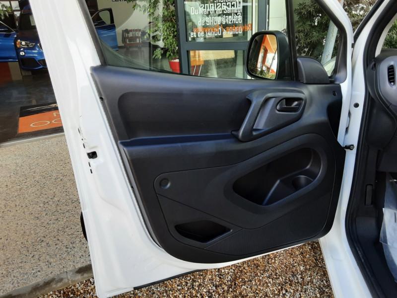 Photo 43 de l'offre de PEUGEOT PARTNER CABINE APPROFONDIE L2 1.6 HDI 90CH BVM5  à 13990€ chez Centrale Auto Marché Mussidan